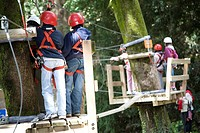 Italy, Liguria, Giandriale La Spezia, boys at adventure park
