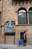 Art in the street, Rambla Catalunya, Barcelona, Catalonia, Spain.