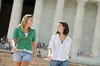 Two girls at lincoln memorial