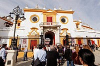 Abril, 19, 2010  Lifestyle/Spain  Seville April Fair  Bullfighting in La Real Maestranza of Seville