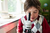 Boy using microscope (thumbnail)