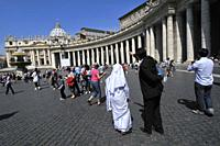 St. Peter´s square, Bernini´s colonnade and St. Peter´s Basilica. Vatican city. Rome, Italy.