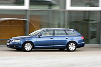 Car, Audi A6 Avant 2.7 TDI, upper middle_sized , blue, hatchback, model year 2005_, driving, side view, City