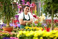 Inmigrante hondureño trabajando en España, jardinero, Garden center.