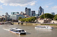 River Thames, City and Tower of London (thumbnail)