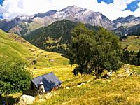 ´Bordas´ isolated rural house of Viados and peaks of Espadas and Posets, Posets-Maladeta Natural Park, Pyrenees Mountains Aragon, Spain, Huesca provin...