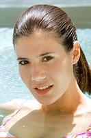 Frau, jung, entspannen, Entspannung, Erholung, Frauen, freundlich, laecheln, People, Person, Portrait, relaxen, Schwimmbecken, Wasser, Wasserstrudel, ...