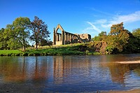 Bolton Priory, River Wharfe, Bolton Abbey, North Yorkshire, England, UK