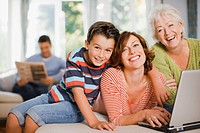 Multi_generation family enjoying computer