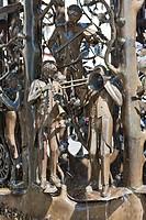 Handwerkerbrunnen, craftsmen's fountain, on Fahrstrasse street, Trier, Rhineland-Palatinate, Germany, Europe