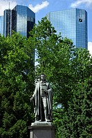 Friedrich Schiller monument, Dresdner Bank headquarters, Taunusanlage park, Financial District, Frankfurt am Main, Hesse, Germany, Europe