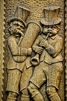 Carved musicians in Drosselgasse lane, Ruedesheim am Rhein, Middle Rhine Valley, UNESCO World Heritage Site, Rhineland-Palatinate, Germany, Europe