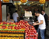 A busy cafe selling freshly squeezed Pomegranate Juice, Beyoglu, Istanbul, Turkey