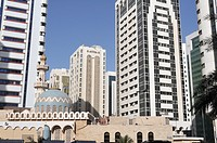 Dhabi Hamdan Mosque, business district Al Markaziyah, Abu Dhabi, United Arab Emirates