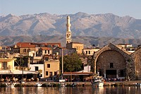 Port of Chania, overlooking the White Mountains, Lefka Ori, Chania, Crete, Greece, Europe