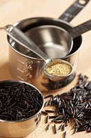 Long_grain wild rice and seasoning