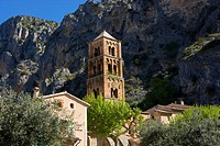 Moustiers-Ste.-Marie, France (thumbnail)