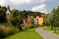 Kurpark, spa garden, and view of the town of Waischenfeld, Wiesenttal, Franconian Switzerland, Franconia, Bavaria, Germany, Europe