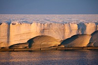 glacier Brasvellbreen in sunset light, Nordaustlandet, Svalbard