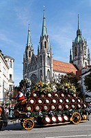 Traditional opening parade, Oktoberfest, St Paul church, Munich beer festival, Bavaria, Germany