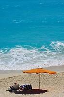 Tourist at Cancun Beach, Caribe, Quintana Roo state, Mayan Riviera, Yucatan Peninsula, Mexico