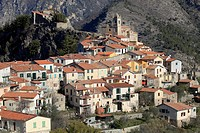 The perched village of Piene Haute, Vallée de la Roya, Alpes-Maritimes, Provence-Alpes-Côte d´Azur, France
