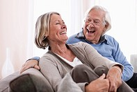 Germany, Wakendorf, Senior couple smiling