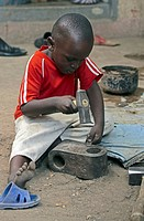 Africa, Cameroon, Garoua, children working