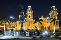 Peru, Lima, Plaza de Armas, Fountain background Cathedral at Night