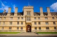 England, Oxfordshire, Oxford. Wadham College founded in 1610, one of the 38 constituent colleges of the University of Oxford.