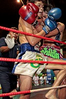THAI BOXING MATCH IN THE EVENING AT THE CORAL HOTEL, BANG SAPHAN, THAILAND, ASIA