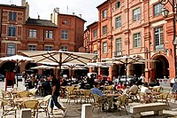 France, Tarn et Garonne, Montauban, cafe terrace
