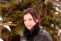 Beautiful woman outdoor in the snow