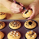 Making Halloween Cupcakes _ decorating the cupcakes _ step shot