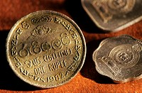 One sri lankan rupee coin
