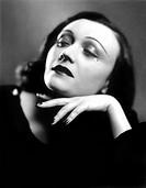 POLA NEGRI (1897-1987).Real name: Appolonia Chalupek. Polish actresss. Photograph, n.d.