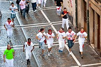 Bull runners getting ready to go, San Ferm&#237;n street-partying, Pamplona, Navarra Navarre, Spain, Europe