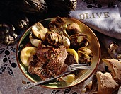 Beef with pepper, oil and artichokes