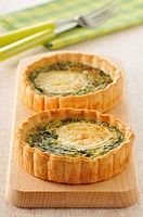 Goat´s cheese and spinach tartlets
