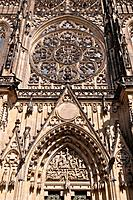 Main portal of the St  Vitus Cathedral, Hradcany, UNESCO World Heritage Site, Prague, Bohemia, Czech Republic