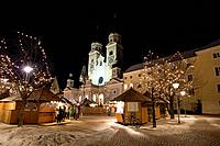 Italy, Trentino Alto Adige, Bressanone, the cathedral and the Christmas market at night