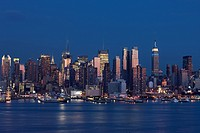 MIDTOWN SKYLINE HUDSON RIVER MANHATTAN NEW YORK CITY USA