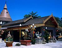 The Dharmikaramma Burmese style temple in Georgetown was built in 1805 and has a large courtyard with statues of Buddha in various poses