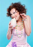 girl with milk shake