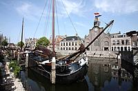 Canals make up a signficant part of the transport system in many towns and cities in the Netherlands. Due to its low lying topography there is an abun...