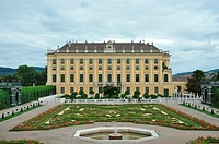 Garden of the Heir Prince  Schönbrunn Palace  Vienna  Austria  The emperor Leopold the First, asked in 1695 Johann Bernhard Fischer von Erlach to cons...