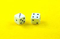dices in yellow horizontal