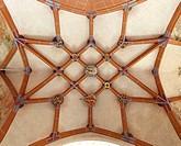 Nördliches Seitenschiff, Gewölbe im 4. Joch, Schlusssteine