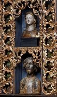 Goldene Kammer mit Reliquienbehältern nach der Restaurierung mit historischer Farbfassung blau