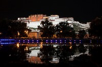 Potala Palace at night, residence and government seat of the Dalai Lamas in Lhasa, Tibet Autonomous Region, People´s Republic of China